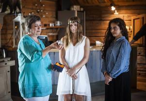 Agnes Åker och Mariam El Mahmadi fick extrapris för sitt junior-SM-guld med Modo.