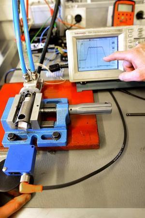 Ventilstyrningen kan påverkas till att ändra öppningstider, stängningstider och lyfthöjd individuellt för varje enskild ventil med hjälp av en programmering för den enskilda motortypen.