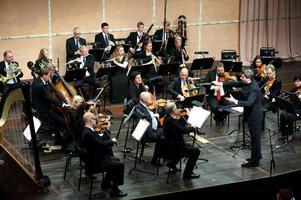 Dalasinfoniettan förlängde sitt Beethovenfokus från säsongstarten iseptember när man vid lördagens konsert i Kristinehallen även sjösatte dennes andra symfoni