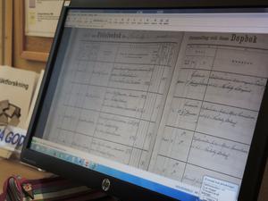 I registret ArkivDigital syns födelsebok och dopbok.