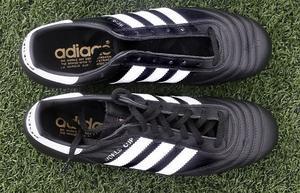 newest 3fceb 32743 Adidas World CupSkruvdobbsko som sett likadan ut i snart 30 år.  Klassiker.Pris