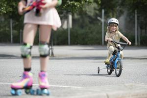 NTF gjorde även en mopedhjälmmätning i Västmanland, och kom fram till att hela 98 procent använder mopedhjälm. Foto: Maja Suslin / TT