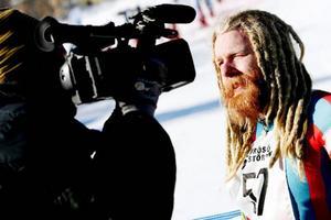 Henrik Norin tävlade fram tills för sju år sedan och i Frösöstörten gjorde han comeback med 90-talsutrustning.