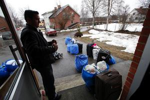 Sasha Zeröirovic fick vänta med bagaget medan resten av familjen åkte iväg till den nya bostaden.