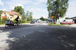 Skärp er ni som kör på Njurundavägen, där 50 kilometer i timmen råder, skriver signaturen