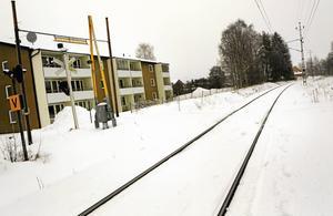 Den långdragna processen med finansiering av en hållplats för tåg i Nälden har nu kommit ytterligare ett steg mot slutstationen. Krokoms kommun har nu beslutat lämna en garanti på kostnaden som eventuellt inte blir finansierad genom Tillväxtverket och Region J/H.