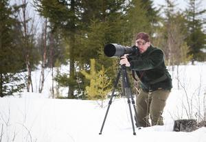 Foto:Olof Sjödin   Andreas Ringnér, naturfotografen som såg örnar i ett område som planeras för vindkraft.