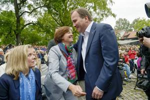 Partikamraterna Carin Jämtin och Stefan Löfven står på samma sida politiskt – men när Hammarby och GIF Sundsvall drabbar samman på söndag hejar de inte på samma lag.
