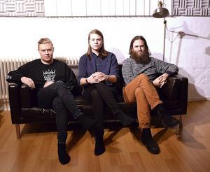 Oskar Unger, Henrik Nordlander och Jerker Häggström i Delorian.