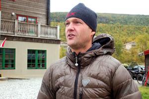 Tävlingsgeneralen Patrik Nordin är positivt chockad inför den femte upplagan av Vasque Vertex Fjällmaraton som det här året har lockat rekordmånga deltagare.   Foto: Carin Selldén