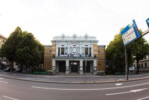 Inspirationen till Gävle teater kom från Parisoperan.