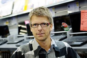 Mikael Johansson, ägare av dator- och teknikbutiken Midat.