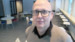 – Det måste till en nystart i bolaget med en ny ordförande, säger Bo Svensson (C) som kräver nuvarande ordförande i Östersundshem Tord Andnors avgång.