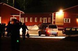 Foto: Ola Svärdhagen/Ljusnan/Scanpix Söderhamn. Polisen i Gävle gjorde natten till söndagen husrannsakan i en lokal i Söderhamn där omkring 30 nazistsympatisörer höll en fest.