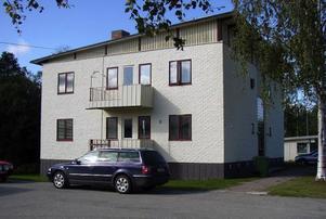 Det här huset i Kälarne är ett av dem som Sundsjö Bioenergi köpt.Foto: Berit Backlund
