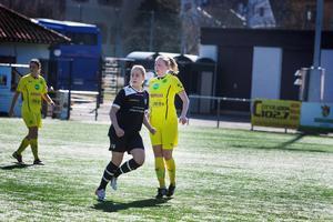 Michaela Lindh, som gjorde Ljusdals första mål i matchen mot Huge, blev krasslig och fick lämna planen i andra halvlek. Mittbacken är dock frisk, samtliga spelare är tillgängliga mot Djursholm.
