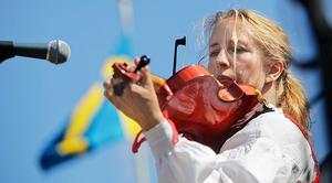 Fiolspelaren och läraren Cecilia Linde är årets Delsbostinta.