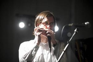 Filip Jers imponerade stort med sitt munspel under konserten med GUBB. Någon i Kulturskolans korridorer viskade att han kan bli nästa Toots Thielemans.