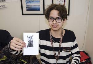 André Holmsten och hans klasskompisar på Åkersvik har startat företaget Demon-UF, som bland annat säljer egentillverkade fågelholkar och vykort.