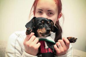 Caroline Larsson har länge velat ha en terapihund, men hennes tidigare hundar har inte passat.