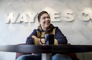 Jimmy Södermark är en av arrangörerna bakom Skratta med käftens komedikvällar. Han uppträder även själv i bland.