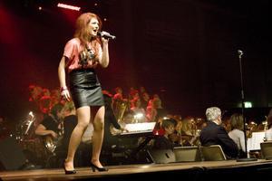 Elin Forsberg sjöng