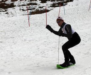 Patrik Byström gled galant på sin skiboard.
