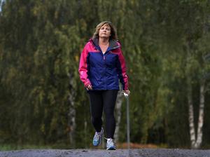 Maria Sundvall går året runt vid Sidsjön men oftast i sällskap.