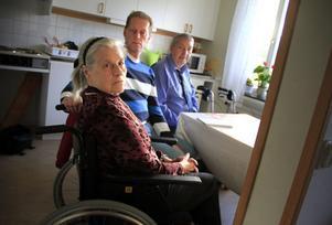 Snart måste Gerda och Kurt Wallin lämna C-huset. De och sonen Jan Wallin är upprörda över beslutet.