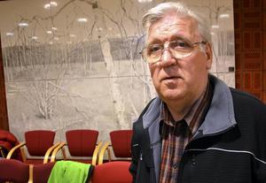 Bygg- och miljönämndens ordförande Erik Rapp (S) ser inget fel i beslutet att bevilja Ånge kommun tillfälligt bygglov.
