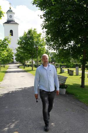 Ola Tollin tror det finns en framtid för svenska kyrkor – om man bara kan hitta fler sätt att använda dem.