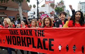 Foto: AP Photo/Damian DovarganesI spåren av #metoo har flera marscher mot sexuella trakasserier arrangerats runt om i världen.