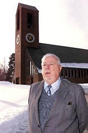 ARKIVBILD Service. Kyrkorådets ordförande i Hofors, Kurt Lindberg, s, har  sett det speciella intressekontot som en service till anställda och förtroendevalda och som ett förskott på lön eller arvode, som sedan betalats av eftersom.