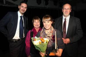 Caroline Söder, Vemdalen, blev årets nyföretagare i Härjedalen. Tillsammans med henne ser vi Björn Ljunqvist, Anette Busk och Ulf Sperring. Foto: Håkan Degselius