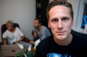 Före detta Bragespelaren Mattias Wiklöf fick inget kontrakt med Ljungskile. Nu står valet mellan Oddevold och Falu FK.
