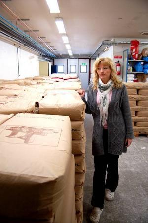 För tillfället finns det 21 ton vetemjöl i fastigheten och varje dag används det över ett ton till bakningen.