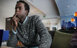 Mohamed Ahmed har genom bandyn träffat så många nya människor. Kontakterna är värdefulla inför framtiden, säger han. Foto: Staffan Björklund