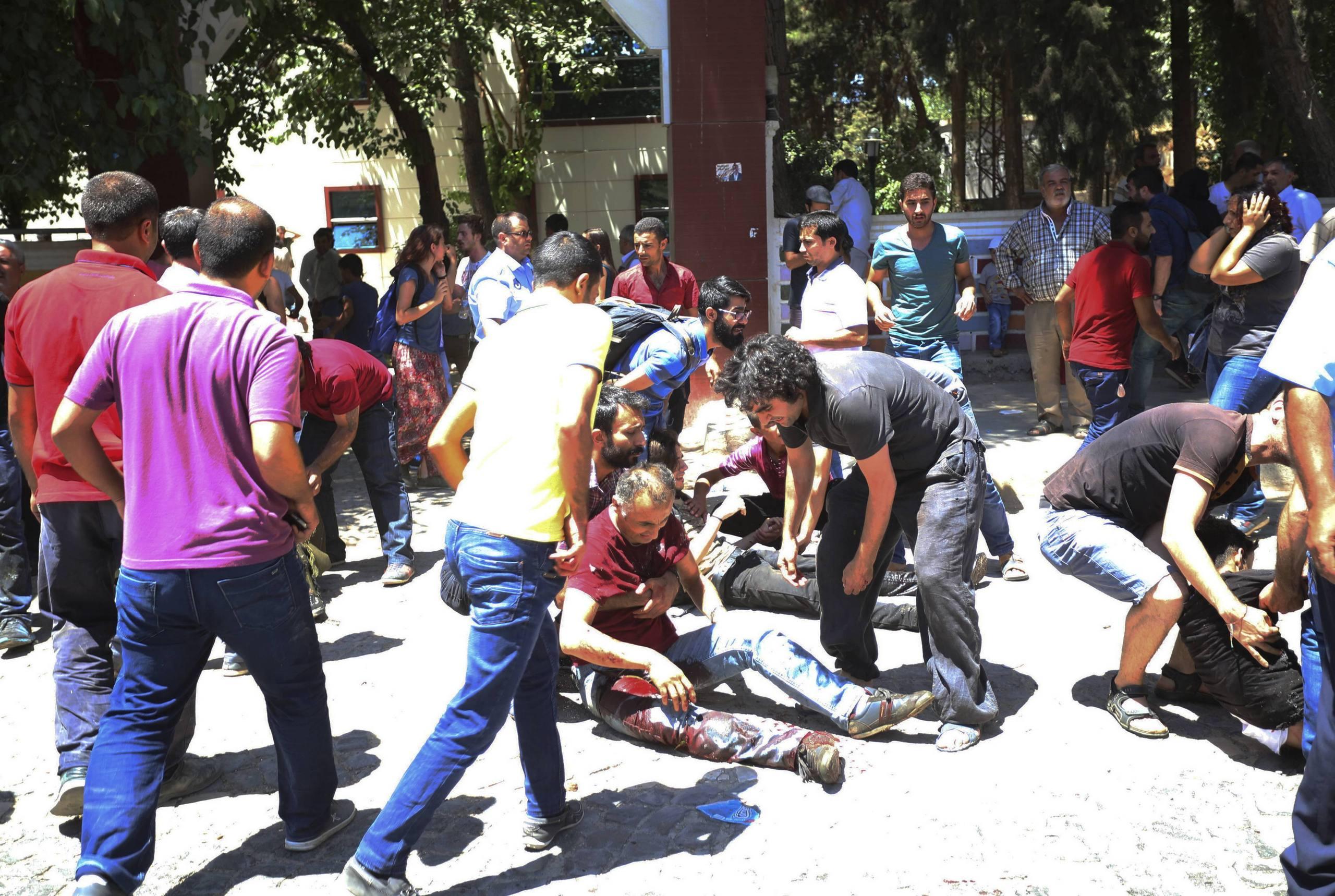 Tiotal skadade i jordskalv i turkiet
