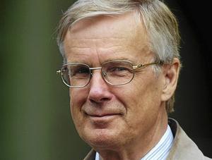 Kjell G Forslund (SD) påstår att krönikörer skrivit lögner om hans parti.