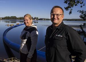 Helsinge Vattens VD Ylva Jedebäck Lindberg och ledningsnätsansvarig Åke Holm.