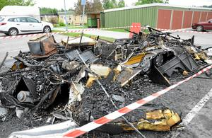 Detta är allt som återstod av husvagnen efter branden.