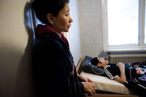 Situationen har lamslagit hela familjens möjligheter till ett normalare familjeliv. Mamma Gulstan trodde att ett uppehållstillstånd skulle göra barnen friska.