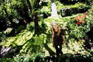MÅLARSOMMAR. I sommar ska Jane Sjögren äntligen få måla sin kolonistuga in- och utvändigt, inreda och däremellan experimentera i trädgården med sin nya färdighet; akvarellmålning.