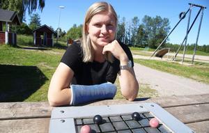 Jennifer Jonsson, målfarlig mittfältare i Edsbyns IF, lägger upp taktiken inför hösten.
