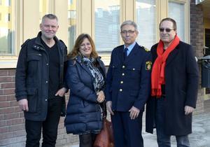 Deckarförfattarna Arne Dahl, Elly Griffiths och Peter James bjöds in av Leif Hemmingsson och Sundsvallspolisen till ett besök i polishuset.