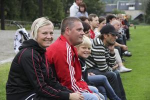 Anna Andersson har två barn ute på planen och har själv ett förflutet som fotbollsspelare.