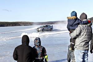 Mellan 100 och 150 sportlovslediga kom till Stor-Gösken för att prova på rally, enligt en uppskattning från arrangörerna.