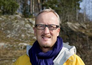 Byggföretagen bygger där de kan få ut mestfrån sina bostäder och det är inte i Södertälje. Staffan Norberg (V)