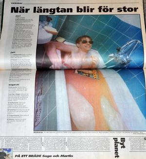 För sommarkänsla den 2 februari 1996: bada i jordgubbskräm! Krämen hann kallna under tiden den tillagades, men Fredrik Eriksson lyckades ändå rätt bra med att se ut att njuta.