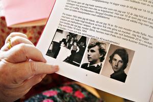 Boken innehåller skildringar av Hennes liv som barn och i vuxen ålder blandat med bilder från förr och nu.